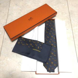 Hermes - 新品未使用‼️ エルメス ネクタイ ポケットチーフ セット ネイビー