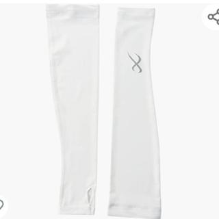 シーダブリューエックス(CW-X)の新品!CW-X アームカバー(指掛けタイプ) 吸汗速乾 UVカット IV M(手袋)