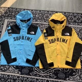 Supreme - (S u p r e m e 新作) パーカ付き   C-1001