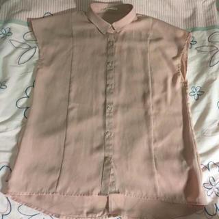 ジーユー(GU)のGU♡人気!!ピンクベージュシャツ♡(シャツ/ブラウス(半袖/袖なし))