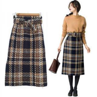 ミラオーウェン(Mila Owen)のベルト付きタイトスカート チェック (ひざ丈スカート)