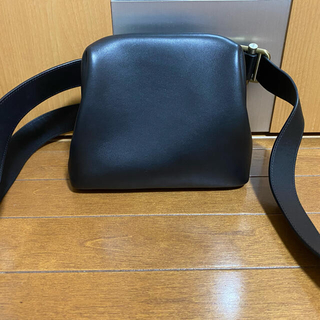 アメリヴィンテージ(Ameri VINTAGE)のosoi brot オソイバッグ 黒 美品(ショルダーバッグ)