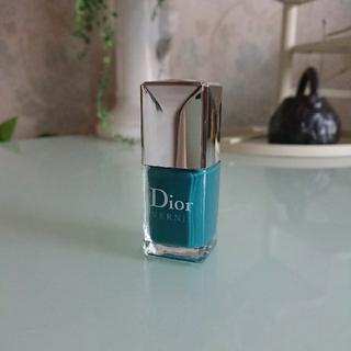 ディオール(Dior)のディオール  ヴェルニ  ネイルエナメル   704(マニキュア)