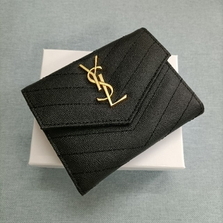 イヴサンローランボーテ(Yves Saint Laurent Beaute)の国内即発★サンローラン 三つ折り財布 カード入れ 黒(コインケース/小銭入れ)