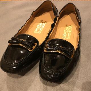 サルヴァトーレフェラガモ(Salvatore Ferragamo)のフェラガモ ドライビングシューズ 8C (ローファー/革靴)
