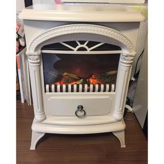 ニトリ - ニトリ暖炉風ファンヒーター オフホワイト