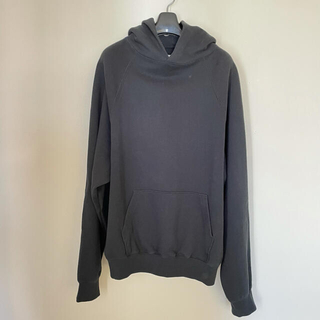 フィアオブゴッド(FEAR OF GOD)のfog essentials fear of god raglan hoodie(パーカー)