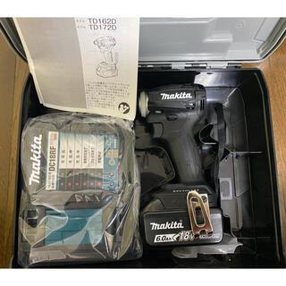 マキタ(Makita)のマキタ インパクトドライバー TD172D ブラック 新品未使用品!(工具/メンテナンス)