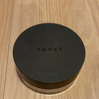 THREE - THREE ルースパウダー トランスルーセント