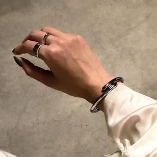 ビューティアンドユースユナイテッドアローズ(BEAUTY&YOUTH UNITED ARROWS)のWrap line silver bangle No.710(ブレスレット/バングル)