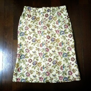 バツ(BA-TSU)のBa-tsu バツ のジャガード織タイトスカート 花柄 M(ひざ丈スカート)