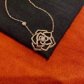 花モチーフ 天然ダイヤモンド付きネックレスk18