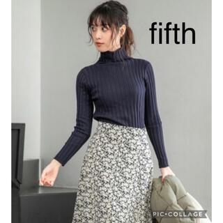 フィフス(fifth)のfifth フィットニットタートルトップス/リブニット ネイビー(ニット/セーター)