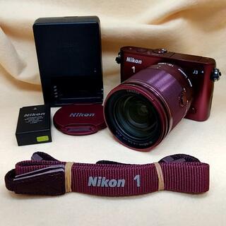 ニコン(Nikon)の【美品】ミラーレス一眼 Nikon 1 J3 小型10倍ズームキット(ミラーレス一眼)