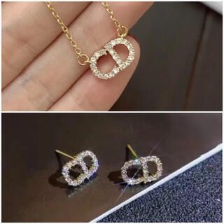 ディオール(Dior)のDIOR ピアス ネックレス 2個セットゴールド(ネックレス)
