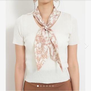リエンダ(rienda)のrienda リエンダ スカーフ付き2WAY TOP ホワイト 白(カットソー(半袖/袖なし))