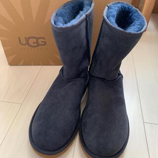 アグ(UGG)のUGG W CLASSIC SHORT ネイビー 7(ブーツ)