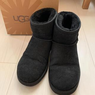 アグ(UGG)のUGG W CLASSIC MINI ブラック 7(ブーツ)