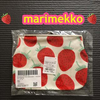 マリメッコ(marimekko)のMANSIKKA(マンシッカ)🍓いちご柄がま口ポーチ・マリメッコ ・通帳ケース(ポーチ)