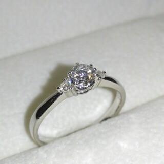 プラチナ ダイヤモンド リング 一粒ダイヤ 脇2Pダイヤ 計0.27ct 指輪