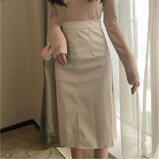 グレイル(GRL)のレザー膝丈スカート(ベージュ)(ひざ丈スカート)