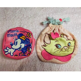 ディズニー(Disney)のピンクのミニーちゃん小銭入れ&マリーちゃんの巾着 2つセット(キャラクターグッズ)