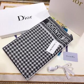 ♪大人気 【新品】 Christian Diorロゴマフラーストール #0A1