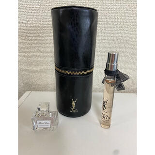 イヴサンローランボーテ(Yves Saint Laurent Beaute)のイヴ・サンローラン ミニフレグランス&ブラシポーチ(香水(女性用))