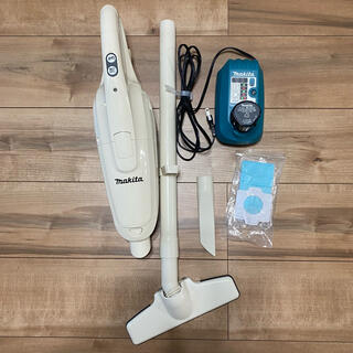 Makita - マキタ コードレス掃除機 充電器 バッテリー 10.8V CL102D ホワイト