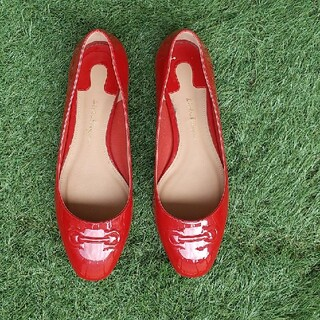 サルヴァトーレフェラガモ(Salvatore Ferragamo)のフェラガモ赤エナメル靴7 1/2(ローファー/革靴)