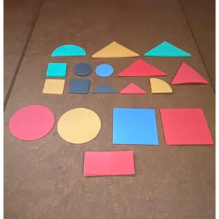ミキハウス(mikihouse)の図形切り抜きカード(知育玩具)