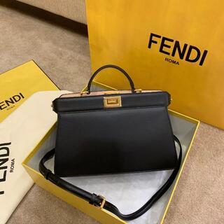 フェンディ(FENDI)のFENDI新品のハンドバッグ(ショルダーバッグ)