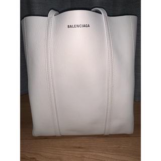 バレンシアガバッグ(BALENCIAGA BAG)のバレンシアガ エブリデイトート クリーム xs ショルダーバッグ(トートバッグ)