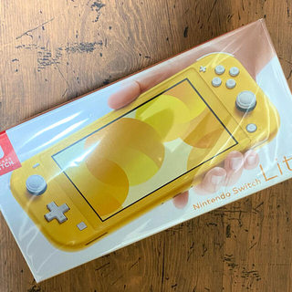 Nintendo Switch - ニンテンドー Switch Lite☆イエロー☆USED