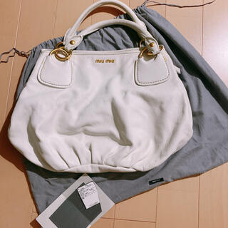 miumiu - miumiu ミュウミュウ ホワイト 本革バッグ