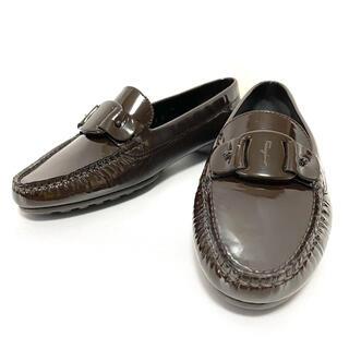 サルヴァトーレフェラガモ(Salvatore Ferragamo)のサルヴァトーレフェラガモ エナメル ローファー レディース 23cm(ローファー/革靴)