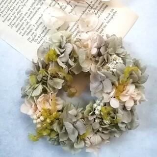 淡色紫陽花と小花のミニリース(リース)