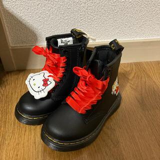 Dr.Martens - ドクターマーチン ブーツ キッズ キティちゃん 黒ブーツ サンリオ コラボ