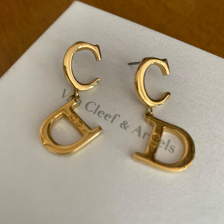Christian Dior - Dior ディオール  ロゴピアス ゴールドカラー