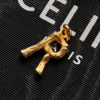celine - CELINE セリーヌ イニシャルチャーム R