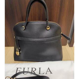 Furla - フルラ パイパー M ブラック