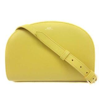 アーペーセー(A.P.C)のアーペーセー ハーフムーンバッグ ショルダーバッグ レザー ロゴ 黄色(ショルダーバッグ)