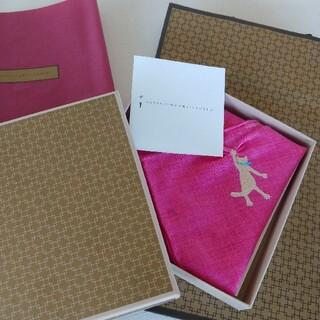 新品 CLASSICS The Small Luxury ハンカチ 猫 刺繍