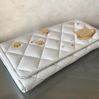 ツモリチサト(TSUMORI CHISATO)の白い長財布 本革 ツモリチサト(財布)