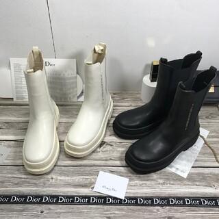 Dior - Dior2色。気質ミッドブーツ