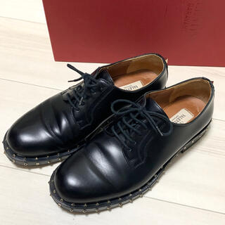 ヴァレンティノガラヴァーニ(valentino garavani)のVALENTINO GARAVANI スタッズ ダービー シューズ  36.5(ローファー/革靴)