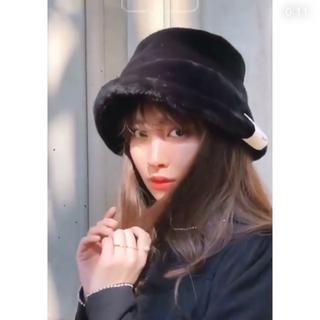紙ダグあり⭐︎Her lip to faux fur bucket hat