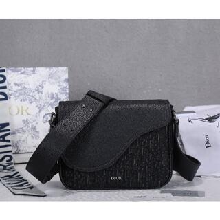 Christian Dior - ℭ𝔥𝔯𝔦𝔰𝔱𝔦𝔞𝔫 𝔇𝔦𝔬𝔯 ショルダーバッグ