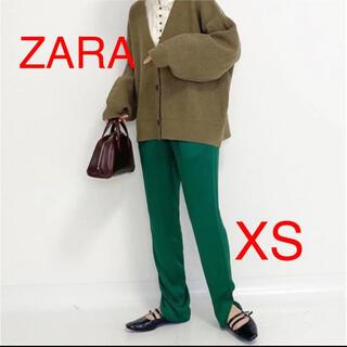 ザラ(ZARA)のZARA サテンスリットパンツ XS グリーン 完売 ハイライズパンツ(カジュアルパンツ)