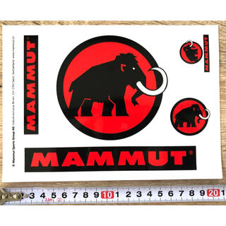 マムート(Mammut)の★発送補強★マムート MAMMUT 定番赤と黒のロゴステッカー1シート4枚(その他)